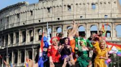 Όλος ο κόσμος γιορτάζει την παρέλαση