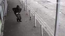 Βρετανία: Ληστής - νίντζα εισέβαλε σε κατάστημα στο