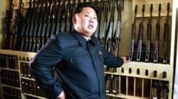 '북한 2인자' 황병서, 김정은 앞서 걷다가 '화들짝'