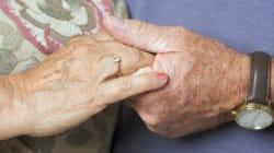 Ζευγάρι Βρετανών έγιναν οι πιο ηλικιωμένοι νεόνυμφοι στον