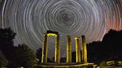 Οι απίστευτες αστροφωτογραφίες του Λουκά Χαψή με φόντο ιστορικούς χώρους της αρχαίας μας
