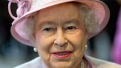 Social Media Weekly: Royales Topmodel mit Hut und Handtasche - die Queen in