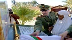 Bouteflika charge le Général-Major Cherif Abderrezak du rétablissement de l'ordre public à