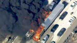Μεγάλη πυρκαγιά έκαψε 20 οχήματα σε αυτοκινητόδρομο στην