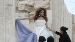 H Jennifer Lopez γίνεται 46 (και το γιορτάζουμε με 46 καυτές
