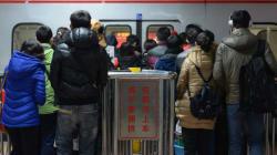 Κίνα: Μητέρα «πουλούσε» αγκαλιές για την θεραπεία της κόρης της που πάσχει από