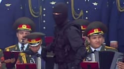 O...χορός των Ρώσων κομάντο: Καταδρομείς Σπετσνάζ επιδίδονται σε «robot