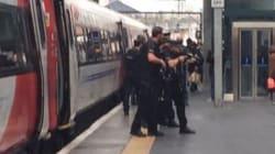 Συναγερμός στο Λονδίνο - Οπλισμένοι αστυνομικοί εκκένωσαν εκατοντάδες επιβάτες από τον σταθμό King's