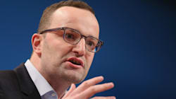 Γερμανός υφυπουργός Οικονομικών: Ναι στην ελάφρυνση χρέους, όχι στο