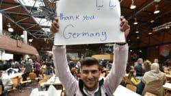 Η Γερμανία αποδεσμεύσει 3 δισ. ευρώ για τους πρόσφυγες και επισπεύδει τις διαδικασίες παροχής