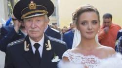 Η αγάπη χρόνια δε κοιτά: 84χρονος Ρώσος ηθοποιός παντρεύτηκε 24χρονη πρώην μαθήτριά