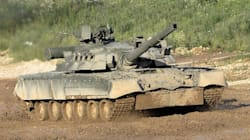 Reuters: Ρωσικά άρματα μάχης σε συριακή αεροπορική