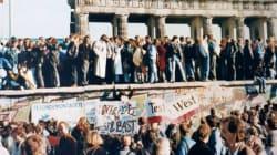 Μετά την πτώση του Τείχους του Βερολίνου, 40 χώρες ύψωσαν νέα