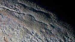 Εκπληκτικές φωτογραφίες της NASA από τον Πλούτωνα: Η επιφάνεια μοιάζει με δέρμα