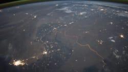 우주에서도 보이는 인도-파키스탄 국경의 모습