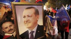 터키 대통령 에르도안은 해방자인가