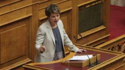 «Πόλεμος» στη Βουλή για την επίθεση στον Κουμουτσάκο: «Είστε πολύ μικρή για να βάλετε στο στόμα σας τη