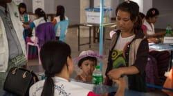 Οι κάτοικοι της Μιανμάρ ψηφίζουν για πρώτη φορά μετά από 25