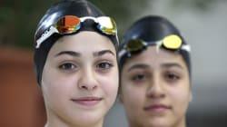 Ο αγώνας ζωής στα νερά του Αιγαίου: Αδελφές κολυμβήτριες από την Συρία κολύμπησαν τρεις ώρες για να φτάσουν στη