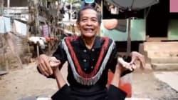 Ο παππούς «λάστιχο» που θα σας αφήσει άφωνους με την ευλυγισία