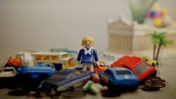 City of Errors: Μια ομάδα ανθρώπων προσπαθεί να μάθει καλούς τρόπους στους πολίτες των ελληνικών