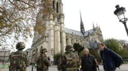 Au lendemain des attaques, Paris tourne au