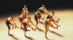 Το Batsheva Young Ensemble παρουσιάζει τη χορογραφία του Οχάντ Ναχαρίν