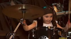 5살 아이의 놀라운 드럼 연주