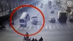 Λύθηκε το μυστήριο της εξωπραγματικής δύναμης που σηκώνει τα δύο φορτηγά στον