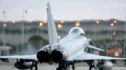 Συνεχίζονται οι βομβαρδισμοί της Βρετανίας σε πετρελαιοπηγές του ΙΚ. Επιστρατεύονται αεροσκάφη τύπου