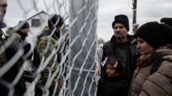 Τι συμβαίνει στην Ειδομένη. Σε ένα μικρό κομμάτι γης στα σύνορα για χιλιάδες πρόσφυγες που περνούν κατά χιλιάδες από ένα μικρ...