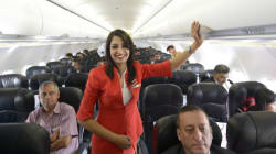 Έξι μυστικά που σας κρύβουν οι αεροπορικές εταιρίες και βρίσκονται στα ψιλά γράμματα των