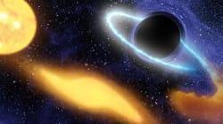 Un trou noir de 100 à 1 million de fois la taille du
