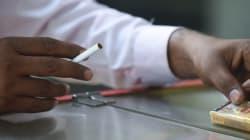 Απαγόρευση «διά ροπάλου» του καπνίσματος στο Τουρκμενιστάν: Πρόστιμα ίσα με 10 μισθούς σε όποιον συλληφθεί να