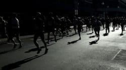 '달리던 관성'