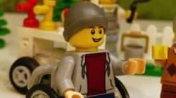 Η Lego λανσάρει νέα φιγούρα σε αναπηρικό