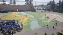 Un artiste italien peint une fresque de 5.000 mètres carrés à Essaouira