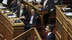 Εν μέσω έντονων διαξιφισμών πέρασε από τη Βουλή με 154 «ναι» η τροπολογία για τις τηλεοπτικές