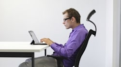 사무실에서 당신처럼 앉아 있으면, 뇌에 문제가
