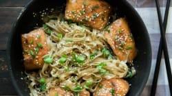 Σολομός Τeriyaki με noodles