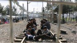 The Guardian: Η Κομισιόν απειλεί την Ελλάδα με έξοδο από την ζώνη