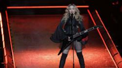 Madonna fond en larmes sur scène en évoquant la garde de son