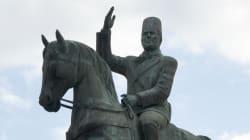 Déplacer sa statue dites-vous? Même Bourguiba serait