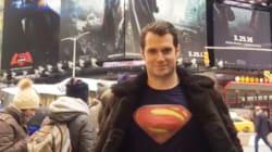 슈퍼맨은 정말 안경 하나면 정체를 숨길 수