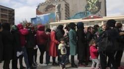 Επεισόδια μεταξύ προσφύγων στον Πειραιά μετά από παρεξήγηση κατά τη διανομή