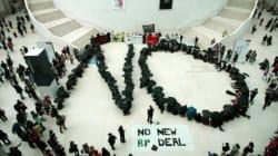 Διάσημοι καλλιτέχνες και επιστήμονες πιέζουν το Βρετανικό Μουσείο να πάψει τη συνεργασία του με τη