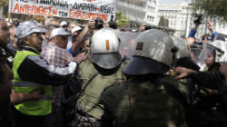 Ένταση μεταξύ λιμενεργατών και Αστυνομίας στην λεωφόρο