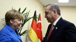 Απροσδόκητο. Η Μέρκελ αποδέχθηκε το αίτημα Ερντογάν για να ασκηθεί δίωξη σε Γερμανό κωμικό που τον