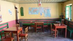 Ένα γραφικό καφενεπαντοπωλείο τρίτης γενιάς στους Αυλιώτες της