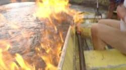 Il enflamme la rivière pour dénoncer la fracturation